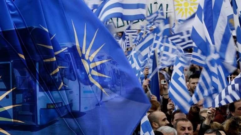Οι εναγκαλισμοί, τα χάχανα και το θράσος με το οποίο περιφέρονται δημόσια οι κάθε είδους προδότες, μιλώντας για μία καλή συμφωνία, είναι μια γροθιά στον Ελληνισμό